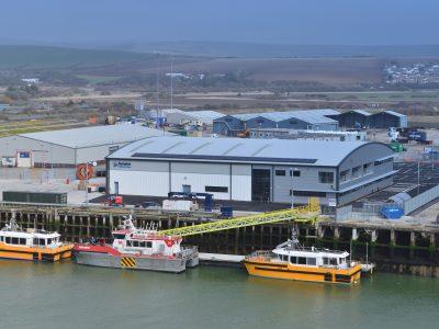 O&M base and CTVs at pontoons